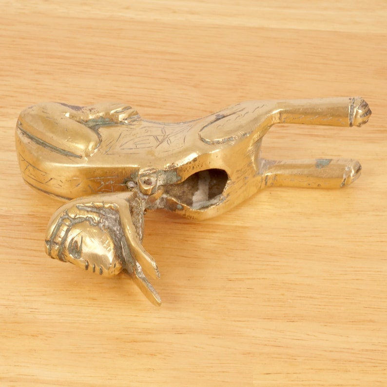Inkwell  amall container  miniature  fingurine  decorative box Sphinx design can be used as an ashtray