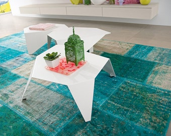 coffee table in white varnished metal