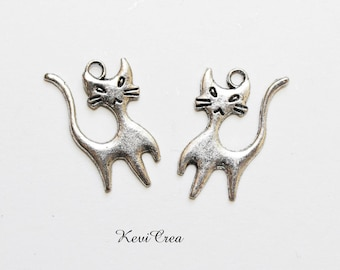 10 x silver plated cat charms