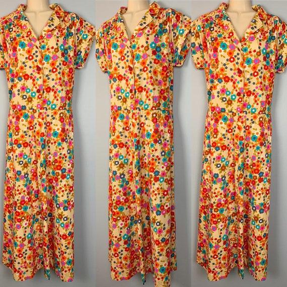 Vintage Flower Power Shirtwaist Dress Floral Day D