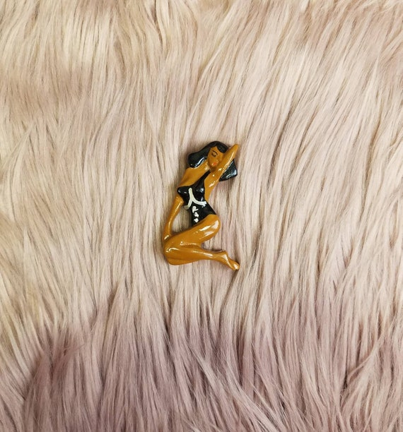 Vintage Resin Pin Up Brooch Betty Page  Bombshell