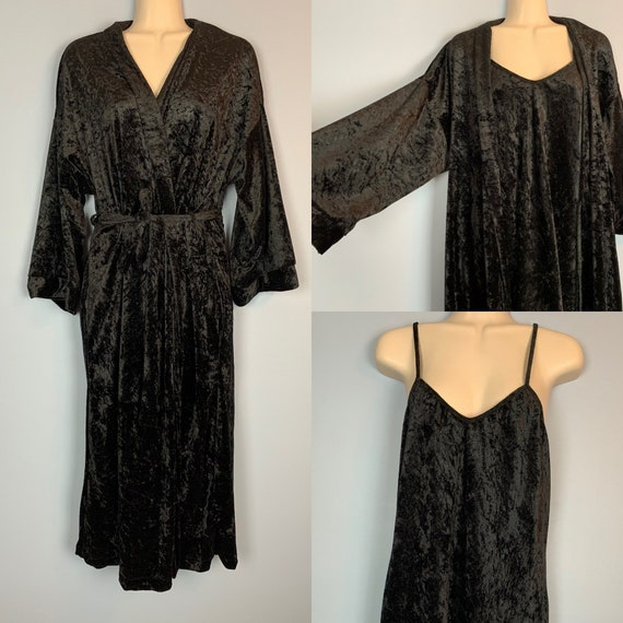 Vintage 1970s Black Crushed Velour Peignoir by Int