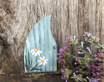 A Fairy Door 'Daisies' ~ various colours available