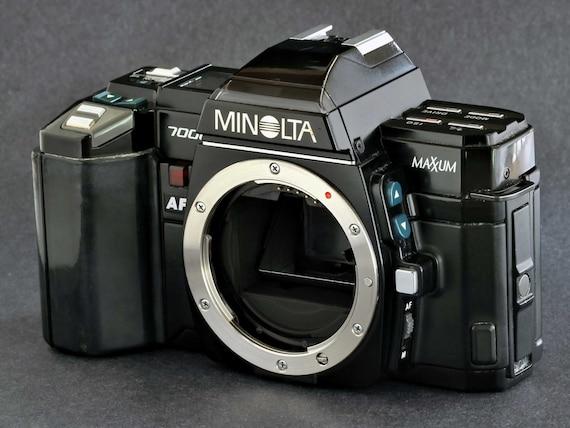 Minolta MaXXum 7000 35mm SLR Camera Rare Collectible Great