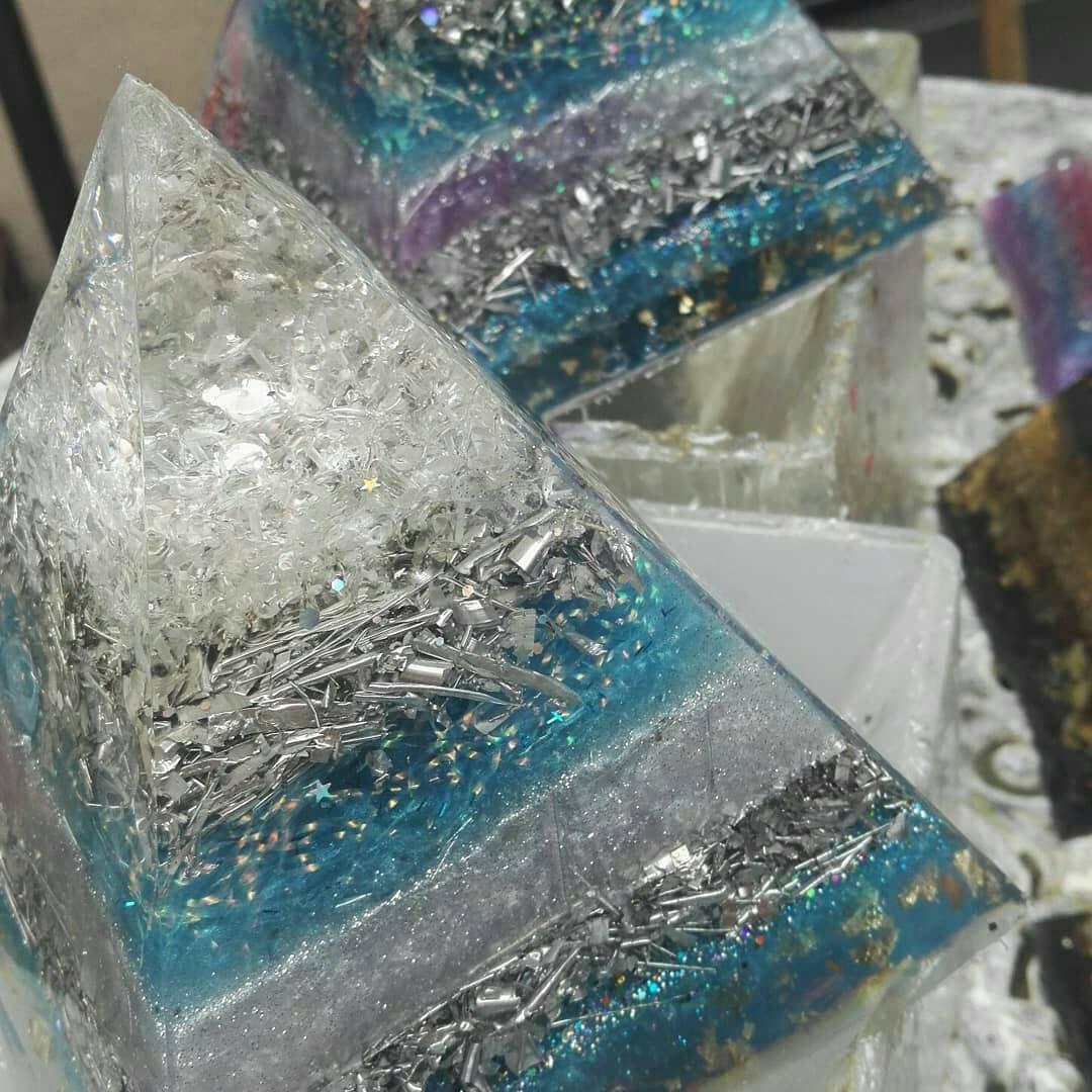 Calming Throat chakra Frequency healing with Lapis Lazuli