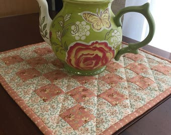 Quilted Table Topper/Spring Checkerboard/Crystal Farms/Candle Mat