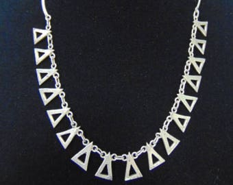 Womens Vintage Estate Sterling Silver Triangle Necklace, 17.8g E3214