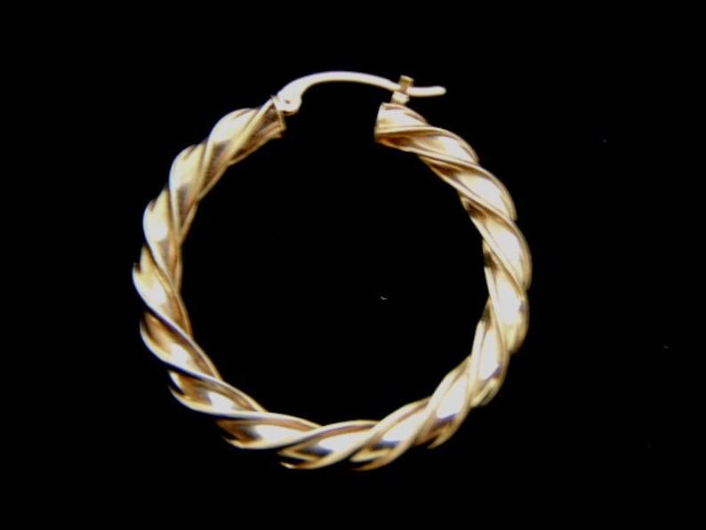 Womens Single Vintage Estate 14K Yellow Gold Hoop Earring 1.3g E1855