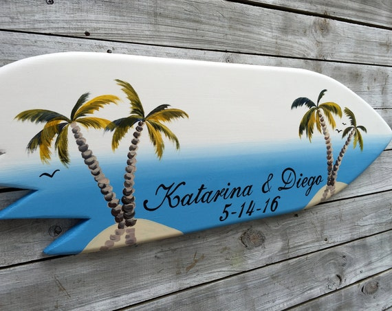 Surfboard wedding guest book wood sign. Personalized Gift for Couple. Palm tree wedding decor