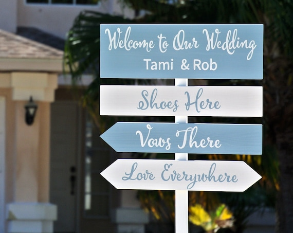 Dusty blue wedding sign with names. Newlywed gift for couple. Wedding direction sign for ceremony