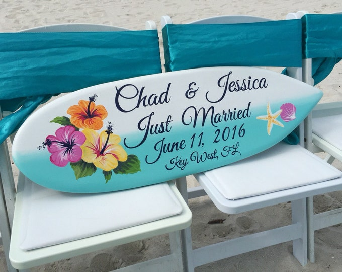 Beach Wedding Decor, Hawaiian Wedding Sign, Just Married Sign for couple. Gift Idea, Surfboard Wood Sign.