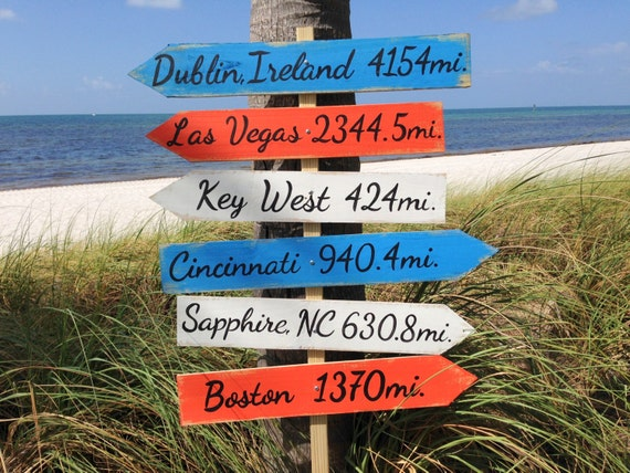 Newlywed Gift Family sign, Garden Directional Wood Sign, Beach House Decor, Arrow Wooden Sign, Custom Family gift idea, Yard decoration sign