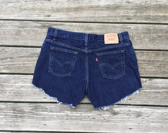 High Waisted Levi Shorts Vintage cut-off