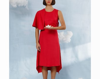 Swallow – dress with straps and cape