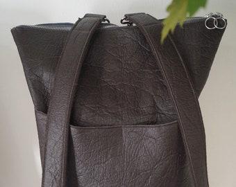Elisa brown backpack made of Pinatex