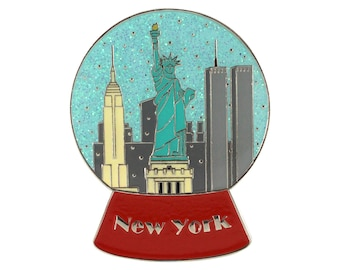 New York City Snowglobe (enamel pin)