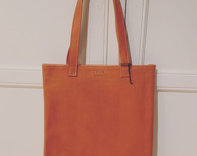 Flat tote/book bag in Orange!