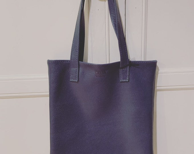 Flat tote/book bag blue