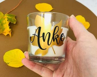 Duftkerze im Glas Vanille - Herbstblatt - personalisiert mit Name - Geschenk Freundin - gemütliche Herbstdeko