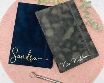 Notizbuch Samtoptik A5 personalisiert - blau oder grau - Geschenk Trauzeugin Brautmutter Brautjungfer -