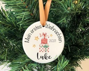 """Weihnachtsanhänger Keramik """"erstes Weihnachten"""" -  Anhänger personalisiert mit Namen - Weihnachtskugel Alternative - Geschenkanhänger 7,5 cm"""