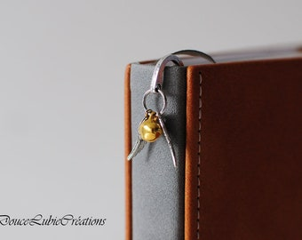 Theme Harry Potter Golden snitch bookmark