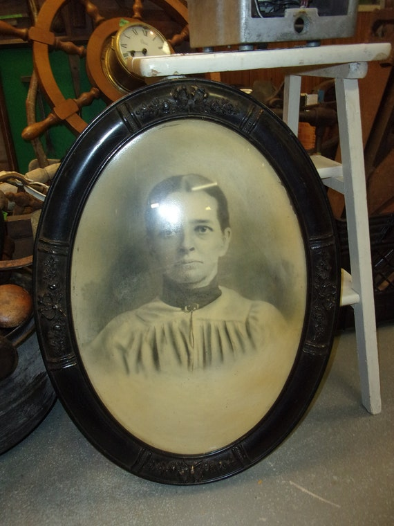 Oval Convex Bubble Glass Frame With Early Black White Photo Etsy