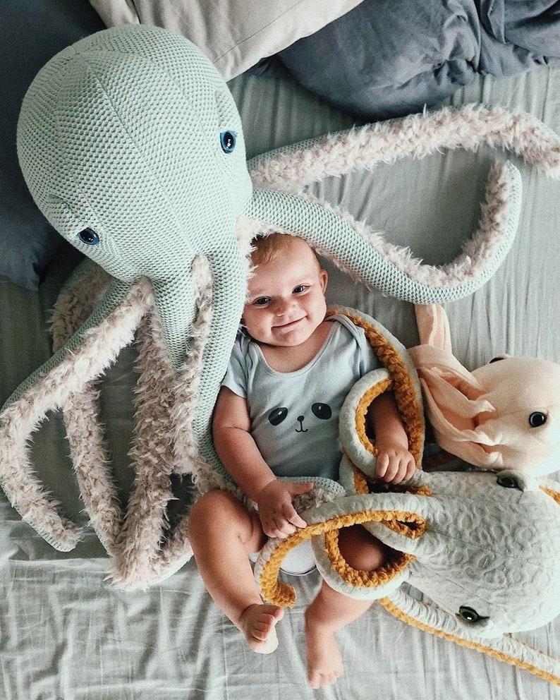 Grande Pieuvre Mamie - Créatrice ETSY : BigStuffed