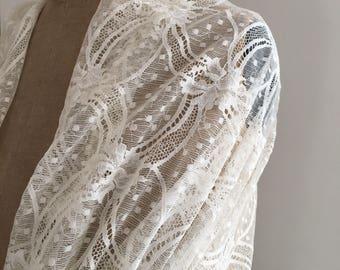Étole dentelle blanche pour mariage - étole dentelle de calais écru - étole  mariée, pour mariage, pour baptême ou cérémonie 46659636f00