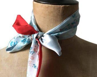 80ba8e670455 foulard soie rouge et bleu clair imprimé fleurs foulard de sac, foulard  bracelet