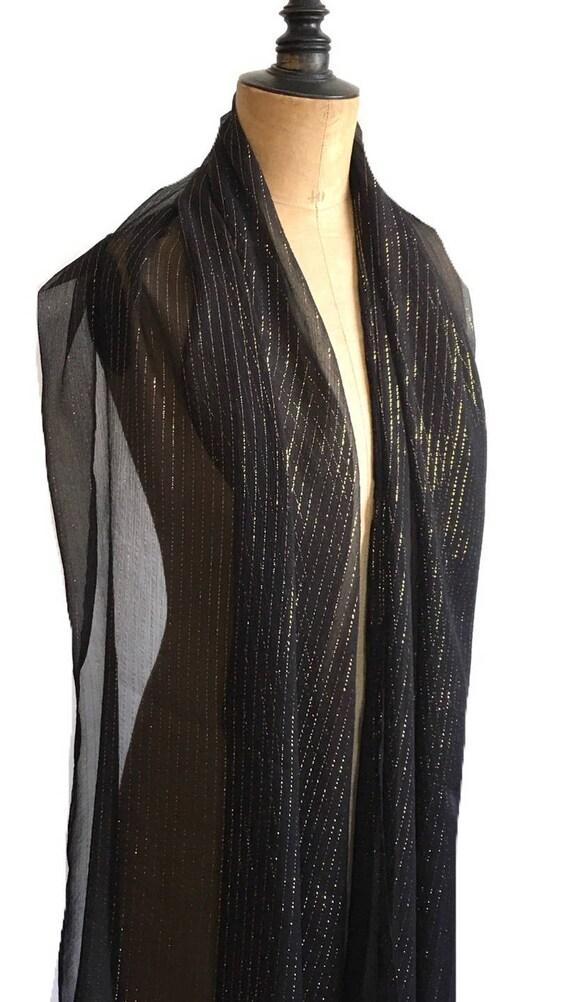 9a76979d6cca Longue étole noire étole en soie mousseline rayures dorées   Etsy