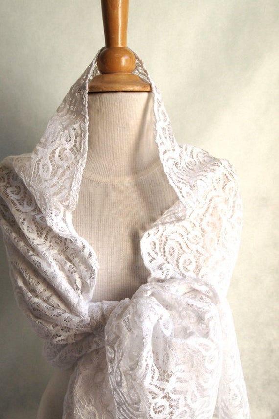 Étole dentelle blanc ou gris pour femme étole blanche   Etsy ead46265296