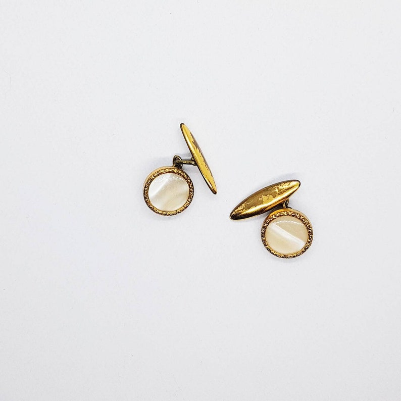 Vintage Gold-tone and Mother of PearlAbaloneOrmerPaua Shell Round Cufflinks 50/'s
