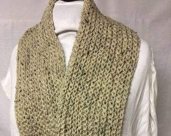 beige ribbed scarf with flecs of black