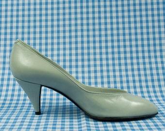 fc3adf6f228 Grey Blue Kitten Heel Leather Pumps Vintage 1980s