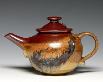 Hand Thrown Ceramic Teapot - 26 oz