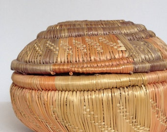FREE SHIPPING - Antique Uganda Basket with Lid -2