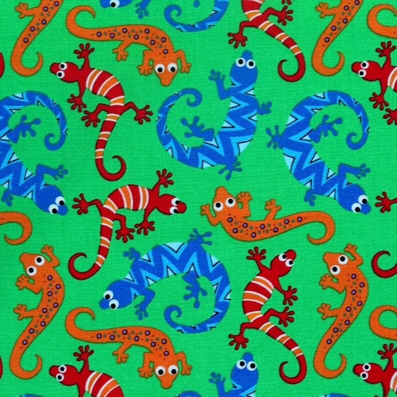 Scaly Navy Blue Michael Miller Fabric FQ More 100/% Cotton