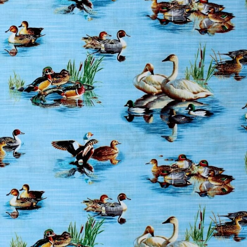 Ducks Swans and Geese 100/% Cotton fabric by the half metre