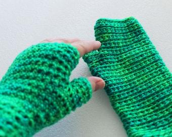 Merino Fingerless Gloves – Country Market Collection – Green Crochet gloves – Reversible – Green Gloves