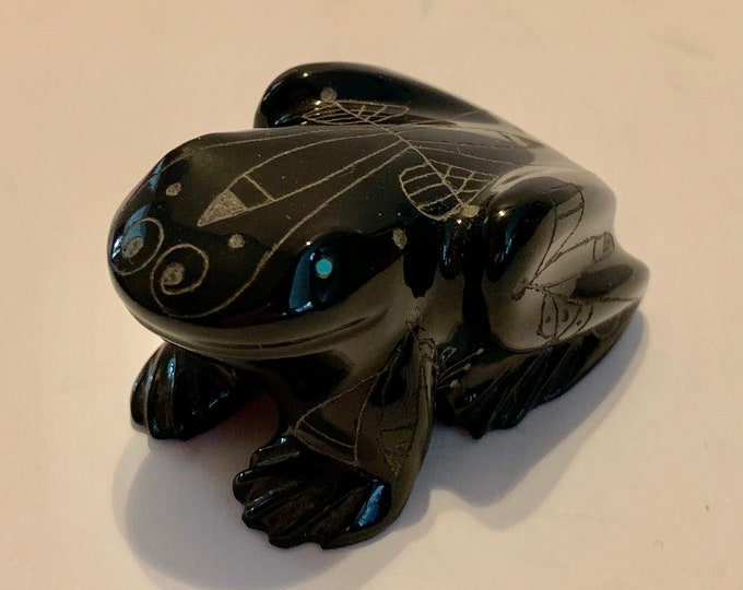 Native American Zuni Carved Jet Stone Toad Fetish Hand Etched Design Inlaid Turquoise 2 inch Artist Signed