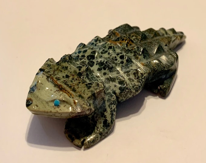 Native American Zuni Carved Stone Horned Lizard Fetish Inlaid Turquoise Eyes 3 inch Artist Signed Fabian T