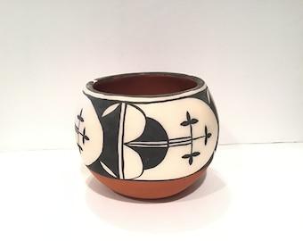 Native American Pottery Vase Vicky Tenorio Calabaza Santa Domingo Pueblo