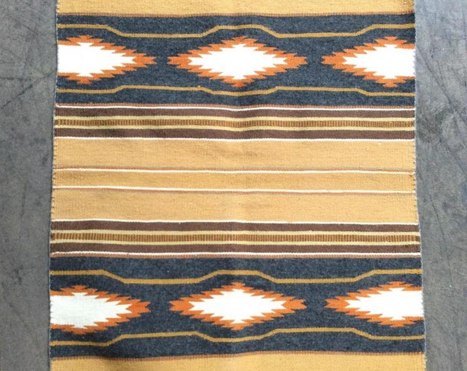 Native American Navajo Hand Woven Wool Rug 28 X 39 Inches Authentic Nelsy Spencer