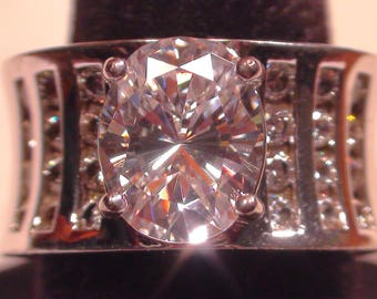 Sterling Silver Cubic Zirconia Oval Cut Fashion Ring Size 6 1/2