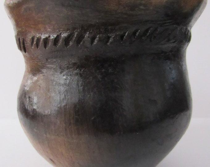 Native American Navajo Pine Resin Glazed Pottery Vase 5 X 4 3/4 Inches