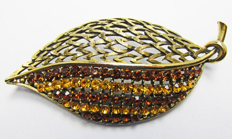 Vintage-Jewelry-JJ-Jewelry-Gold-Rhinestone-Pin-Brooch-Earrings-Costume Jewelry-Leaf-Retro-Women-Gift-Birthday-Birthday Gift-Anniversary
