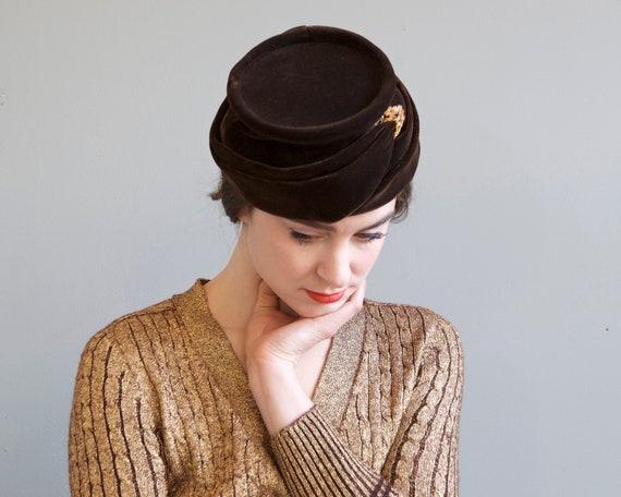 50s 60s brown velvet pillbox hat