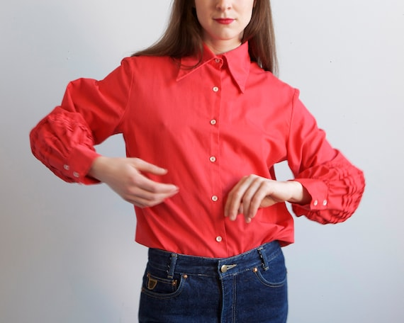 70s balloon sleeves red blouse / size S M