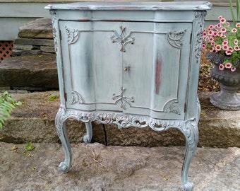 SOLD***Petite Vintage Cabinet